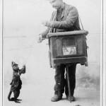 Organ_grinder_with_monkey
